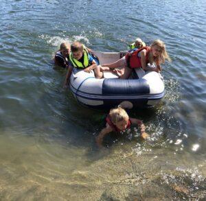 Bada med flytväst och undvik drunkning Idun Barnklinik Kungsholmen